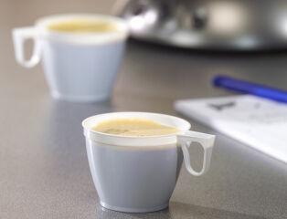 papstar 6412215 4 90 papstar tasse de caf en plastique avec poign e blanc. Black Bedroom Furniture Sets. Home Design Ideas